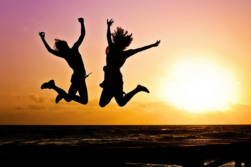 Lär dig bli lycklig och hoppa av lycka